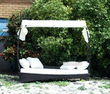 Picture of TAKAPUNA Rattan Outdoor bed