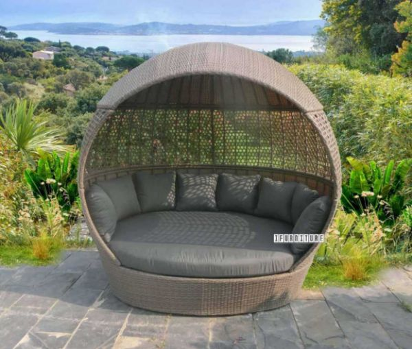 Picture of Helmet Rattan Daybed *Aluminium Frame