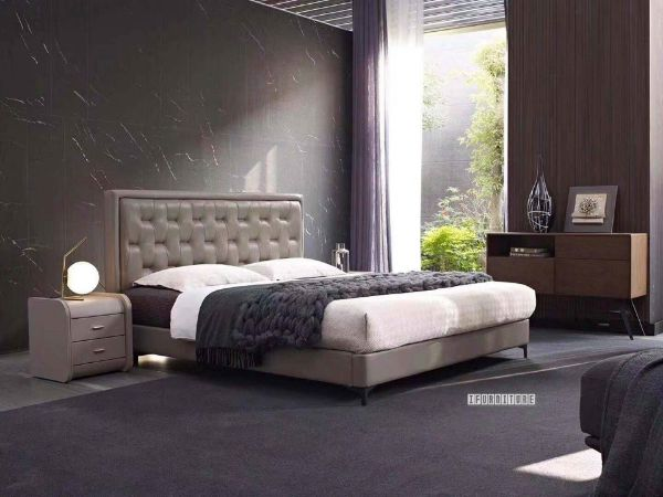 Picture of Hunter Leather Bed in Queen/ Super King Size