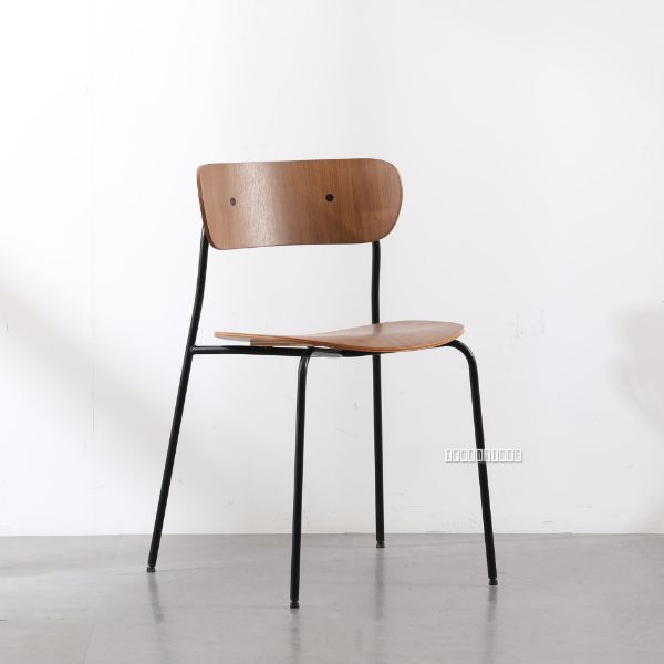Picture of Crisp Bent Wood Chair *Natural/Walnut